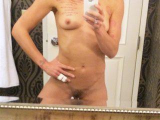 Soccer Goalkeeper Hope Solo New Leaked Pussy Selfies